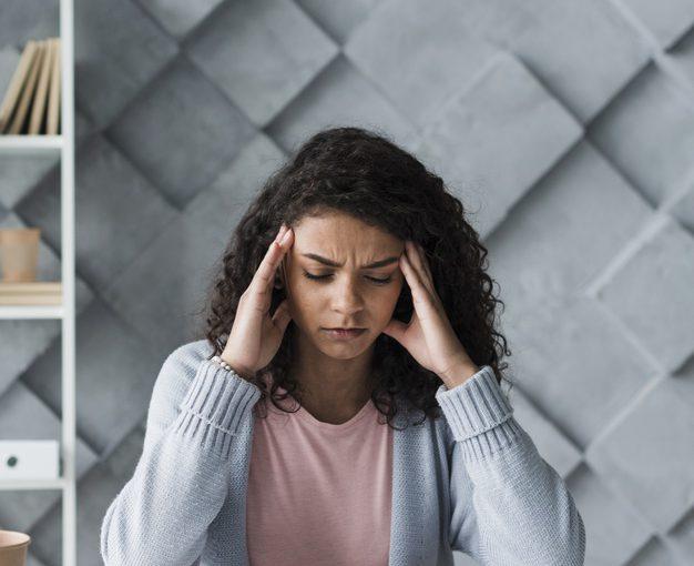 偏頭痛の原因と対処法